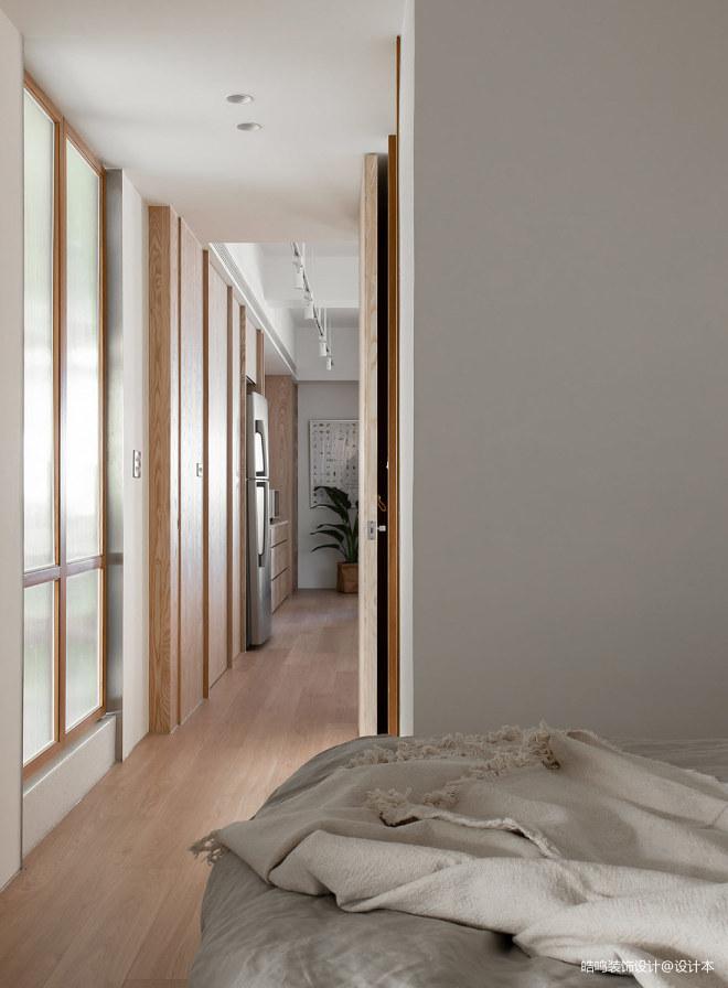 白色与木质内饰碰撞一简单舒适的家_1