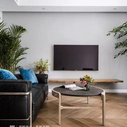 电视背景墙浅灰色乳胶漆
