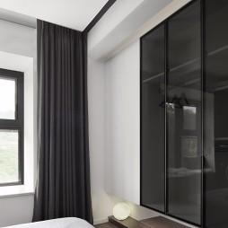 小卧室地台床设计