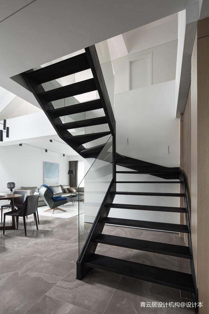 小型别墅楼梯设计