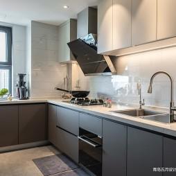 厨房橱柜颜色搭配