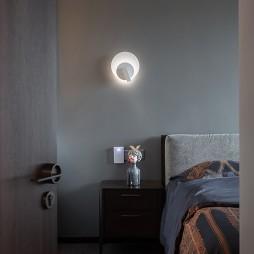小卧室壁灯具效果图