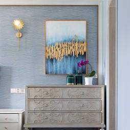 美式轻奢客厅装饰柜图片