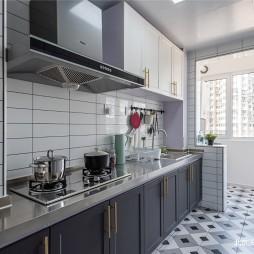 极简轻奢厨房图片