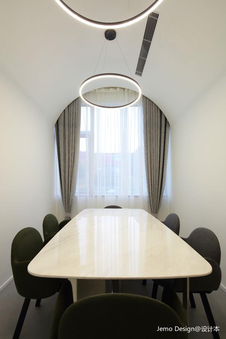 创想600文化艺术馆小会议室设计