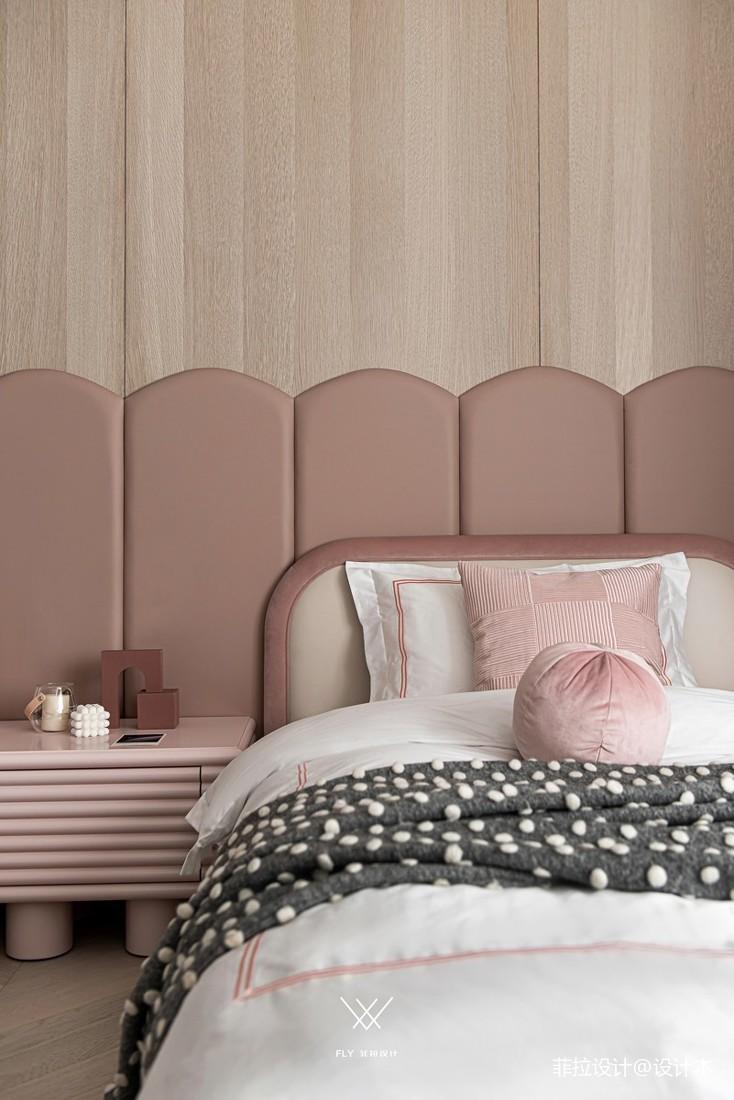 女儿房床头背景墙软包图