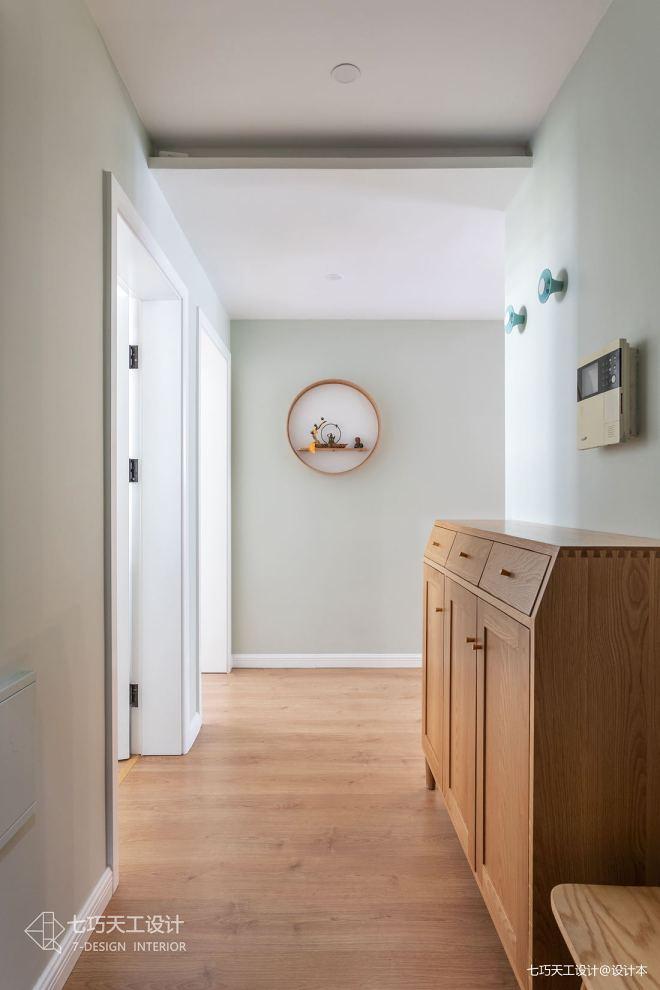 这个原木风的家不一般,收纳柜子全靠藏