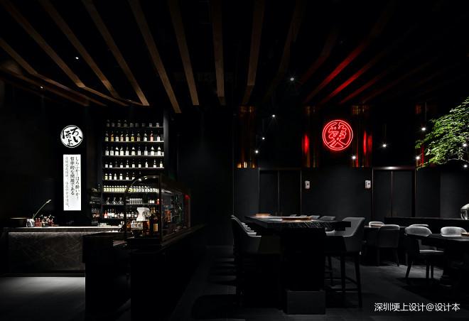 """埂上设计丨一间赋有仪式感的""""黑金餐厅"""