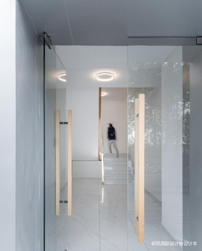 打造300㎡舒适与未来科技感的高端美
