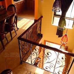 混搭风格客厅餐厅楼梯栏杆装修效果图