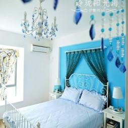 地中海风格卧室蓝色背景墙水晶吊灯卧室装修效果图