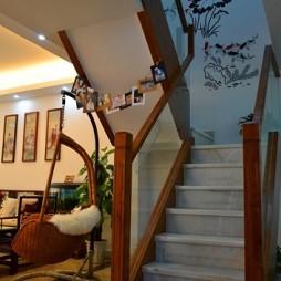 2017中式风格复式楼转角楼梯实木扶手装修效果图片