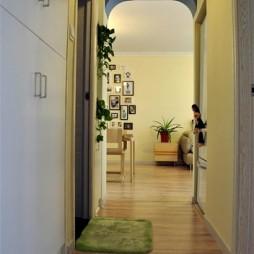 地中海风格三室一厅家装客厅过道组合柜装修效果图欣赏