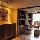 2013美式风格休闲区最新家居玄关鞋柜仿古地砖挂画灯光装修效果图片