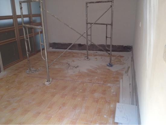卧室,不要床,想要个高地面二三十公分的高台坐床,应该选择什么装修?