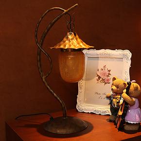 现代简约美式时尚台灯 欧式田园铁艺床头灯饰宜家卧室客厅创意