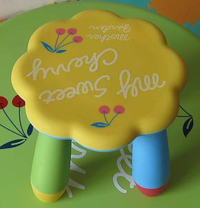 儿童椅子/学习桌/儿童家具/凳子 黄色梅花凳