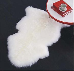 低价销售羊羔羊毛毯 纯白色羊毛羔地毯 超柔软光滑舒服羊毛羔毯