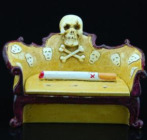 促销送男友老公时尚创意礼品皇冠宝座骷髅头树脂工艺烟灰缸助戒烟