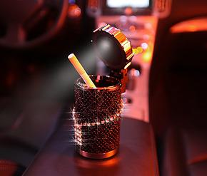 汽车载烟灰缸/带灯烟灰缸 正品施华洛世奇水钻太阳能烟灰缸 个性