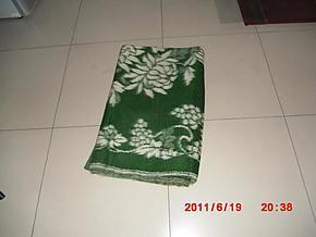 外贸内销  纯毛毛毯  150cm*200cm  三种颜色 红、黄、绿