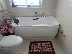 高档亚克力新款内部带扶手浴缸纯树脂浴缸高硬度高品质