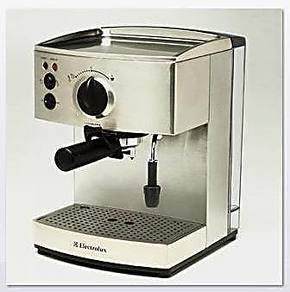 Electrolux/伊莱克斯 EES200 意式咖啡机 可以打奶泡 带机打发票