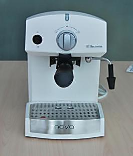 Electrolux/伊莱克斯 EA120 意式家用半自动咖啡机